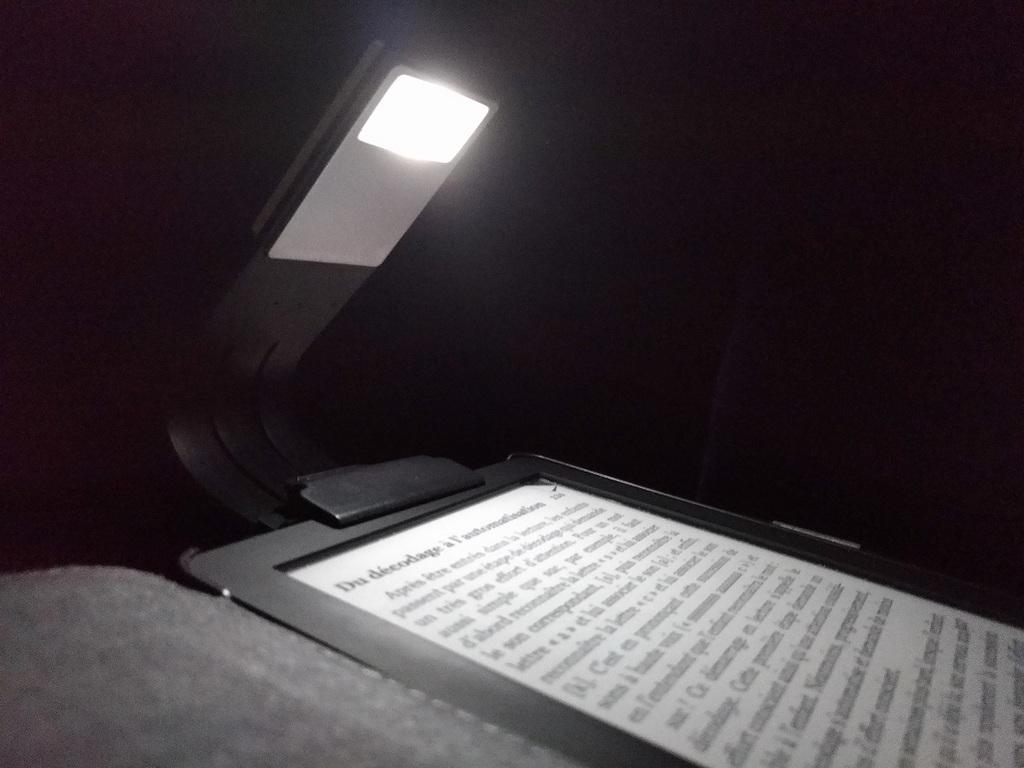 10 idées cadeaux pour passionnés de lecture moncocondelecture
